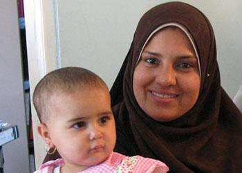 Embarazadas y madres primerizas participan en clases de higiene y salud cerca de Fayoum, Egipto. Foto de Laura Sheahen/CRS