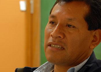 Rigoberto Díaz habla con grupos comunitarios en Chicago sobre la Cooperativa de Café MICHIZA que organizó en México. Foto de Jesús Huerta/CRS