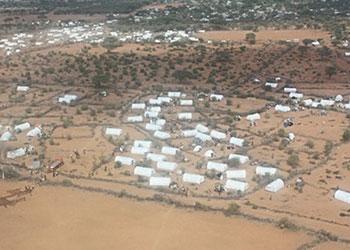 Miles de refugiados entran a Dadaab cada semana en busca de agua y alimentos. Foto de Laura Sheahen/CRS