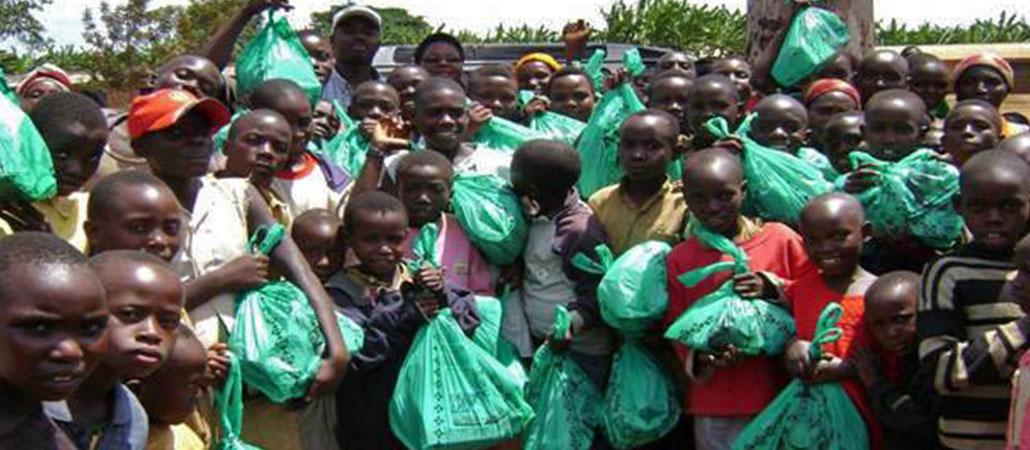 Burundi CRS huérfanos niños vulnerables